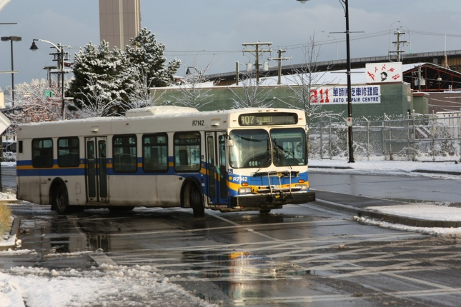 FEATURED PHOTO: A 407 Gilbert bus leaves Bridgeport Station in snowy weather. Photo by Dennis Tsang on Flickr, CC-BY-NC-SA 2.0