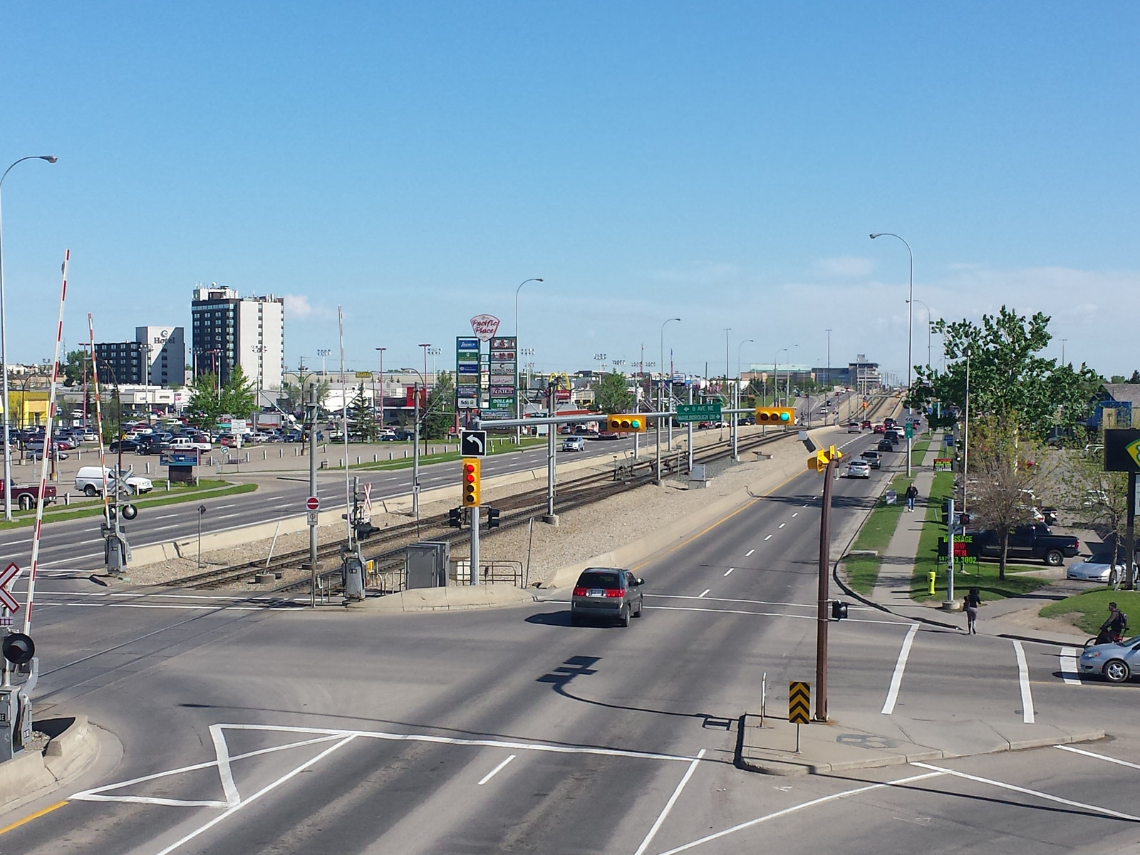 Calgary LRT on 36 St NE - Photo credit: Ryan Harder, Flickr