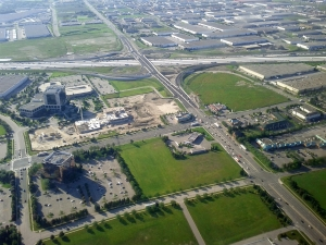 highway_401_at_hurontario_street_9192877703